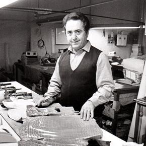 6a039e8924 Da più di sessant'anni Roberto Angeli, maestro di creatività e fantasia, è  uno dei maggiori esponenti dell'artigianato made in Italy, nel settore  dell'alta ...